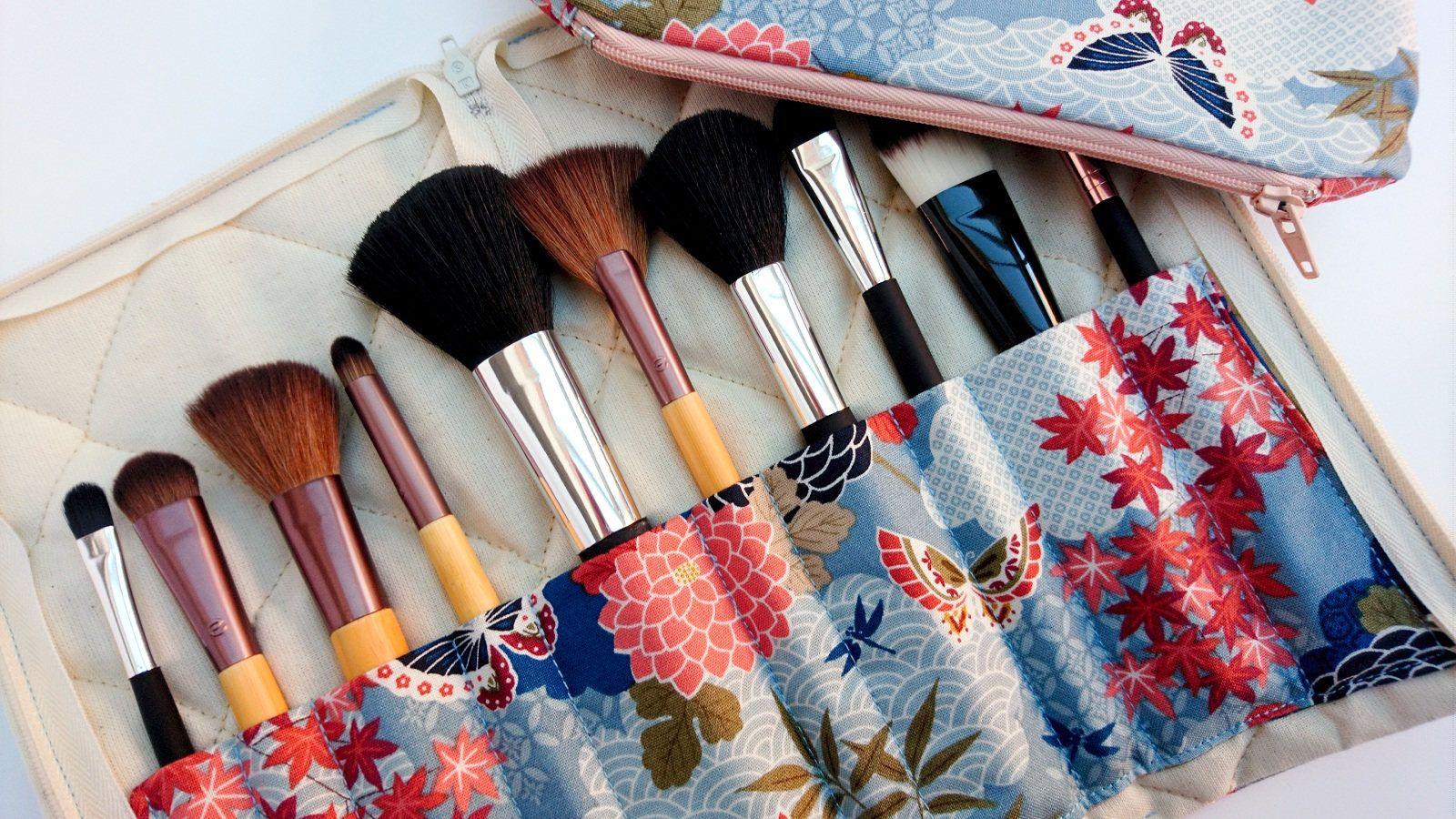 Fabric makeup brush holder and bag, makeup brush organiser