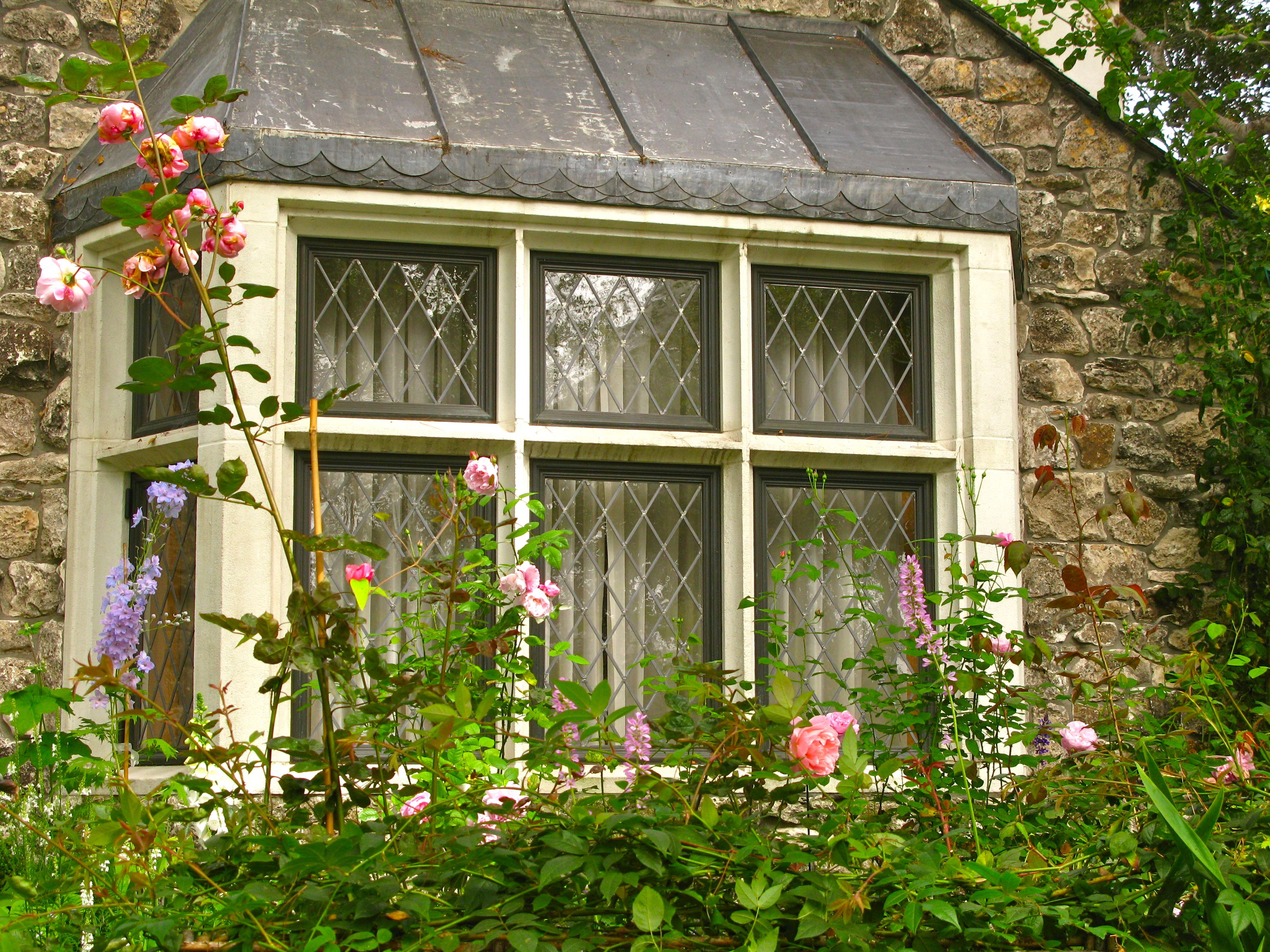Diamond Paned Windows On Fairytale Cottage Doesn T Get Any Better Bedroom Cottage Windows Fairytale Cottage Cottage