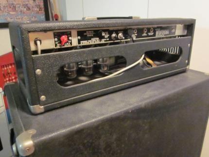 Fender Bassman 135 Röhrenverstärker mit dazu passender Box<br />Das Gerät ist voll funktionsfähig...,Fender Bassverstärker mit Box in Nordrhein-Westfalen - Ahlen
