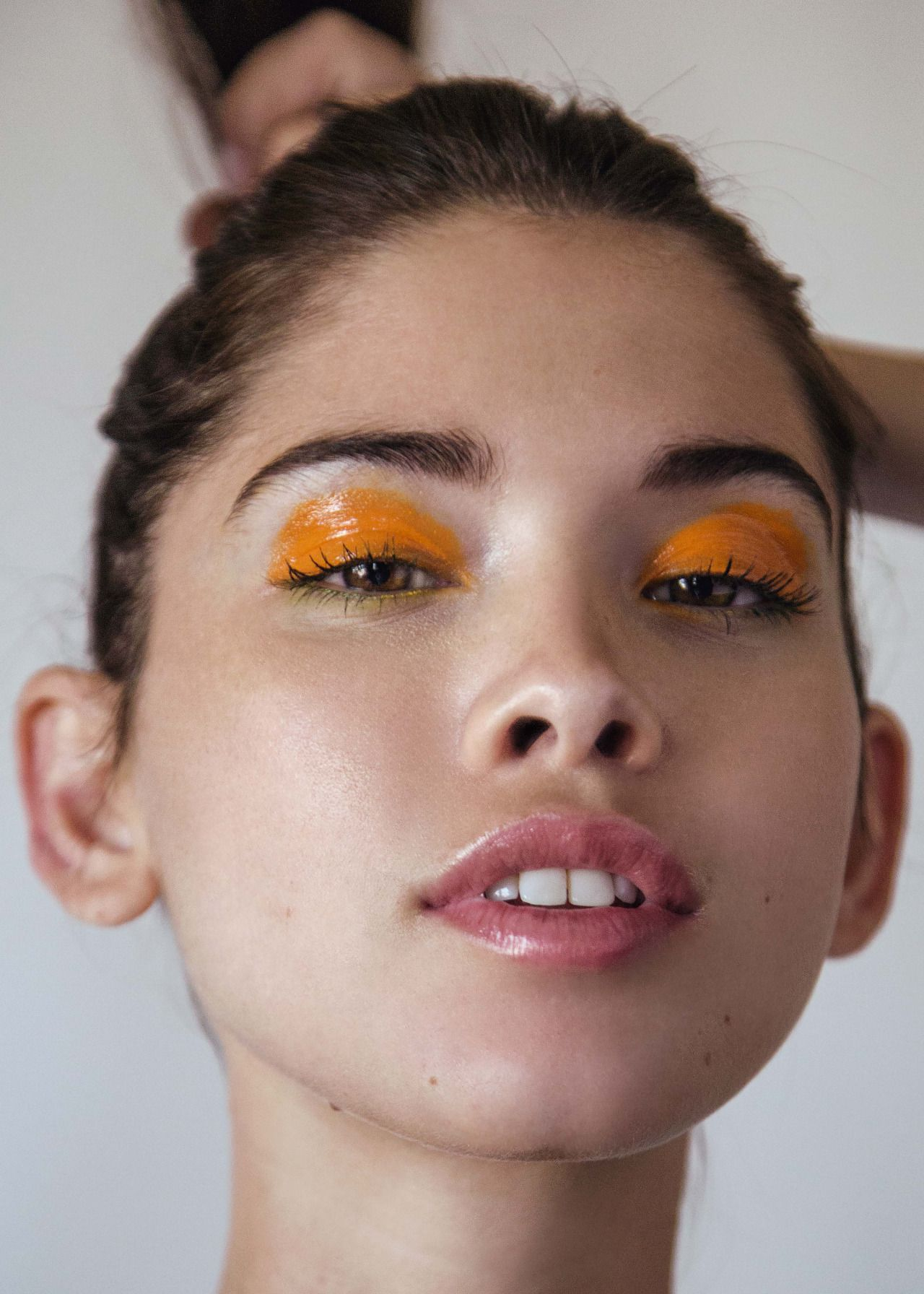 Glam Up Your Makeup with Trending Glossy Lids | Glossy
