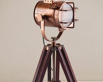 Antike Stativ Stehlampe Von Thedezinez Auf Etsy Colores Almacen E Mailing