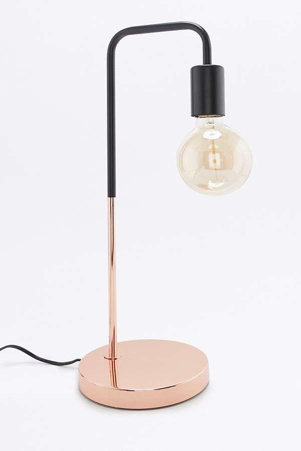 Lampe de bureau en cuivre Urban Outfitters 85 € www