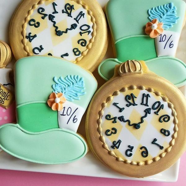 Holen Sie sich KOSTENLOSE Downloads um diese Alice im WunderlandKekse zu machen  Alice in Wonderland Cookies