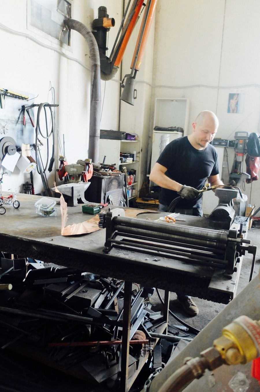 Discovering The Artisans Of Fabriano With Italian Stories - Girl in Florence