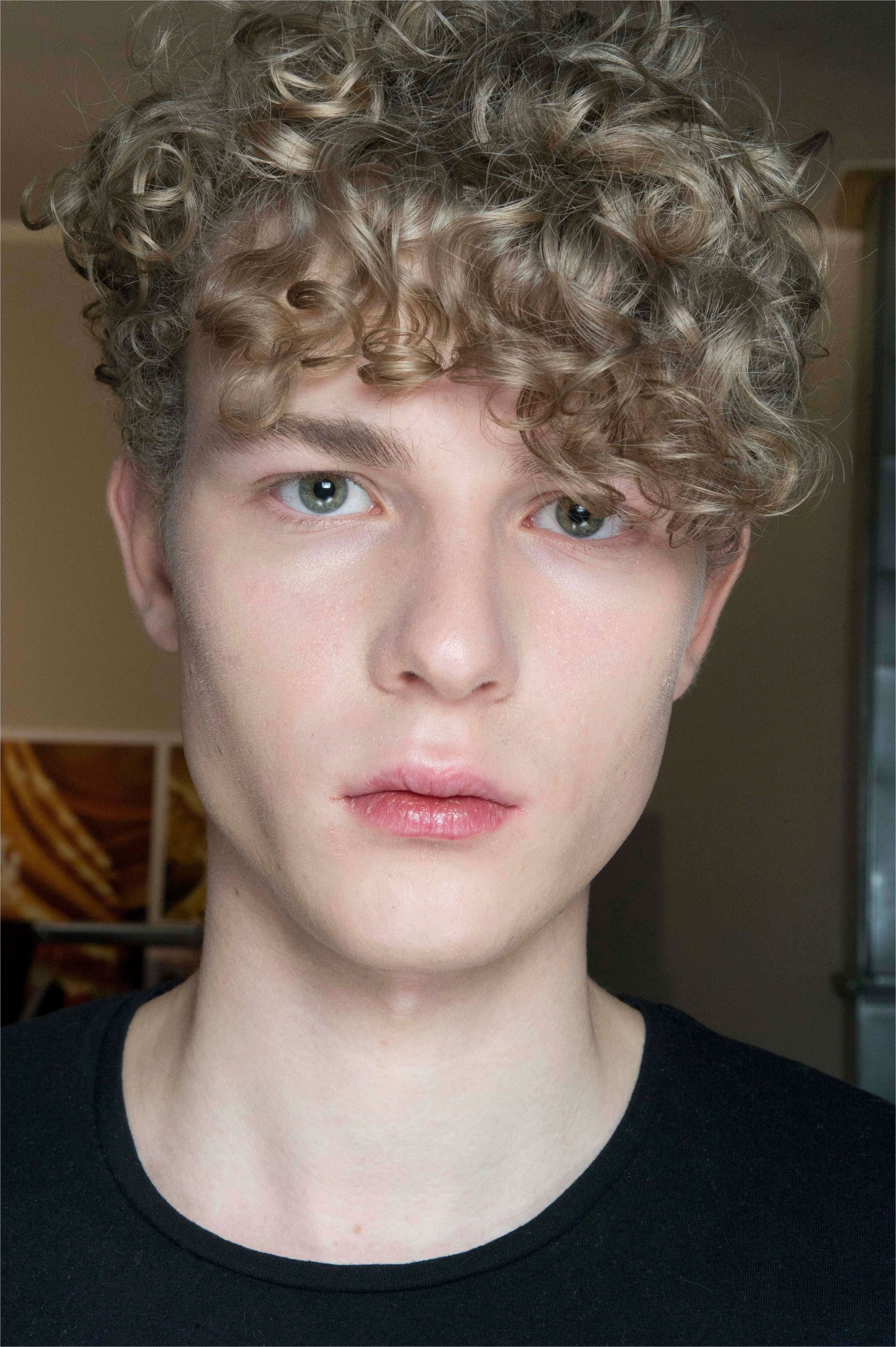 Curly Hairstyles For Men Trending Right Now Special Short Curly Haircut Men In 2020 Long Hair Styles Men Curly Hair Men Short Hair Styles