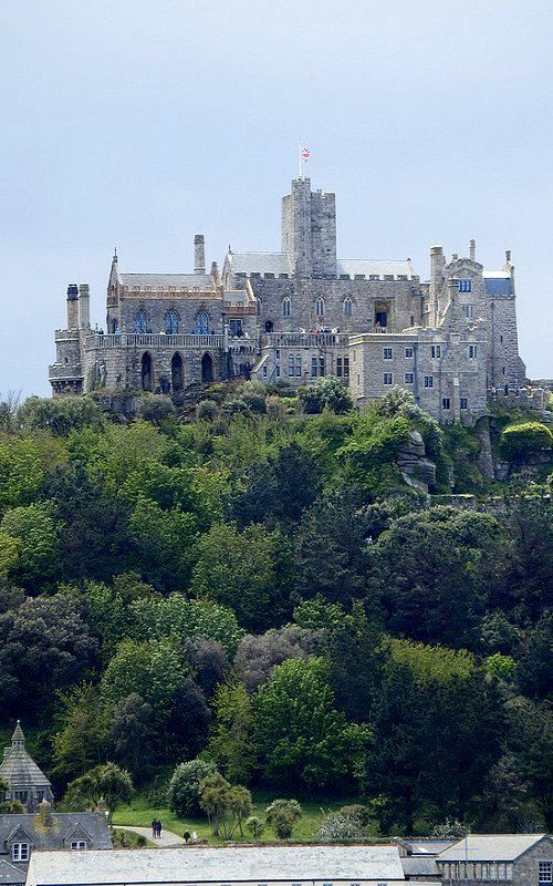 St Michael's Mount, Cornwall, England | Flickr - Photo by photphobia