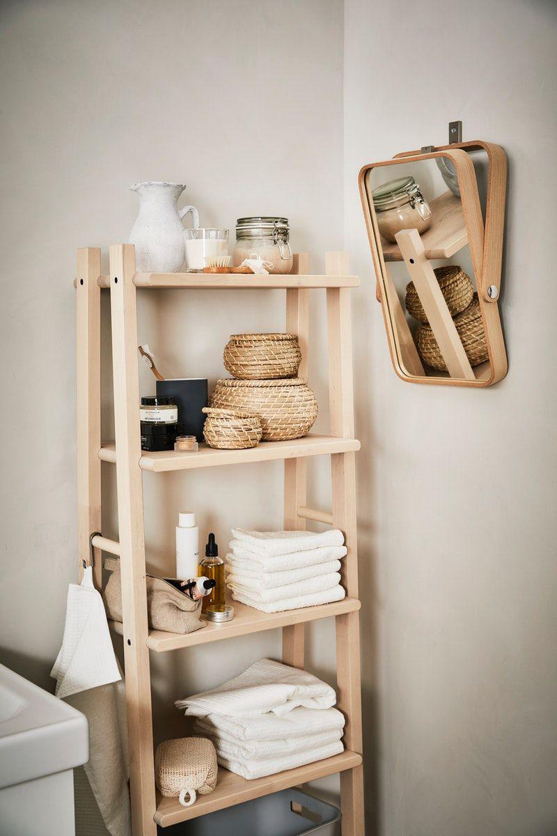 Skandi Badezimmer Einrichtung Vilto Regal Aus Hellem Holz In 2020 Badezimmer Einrichtung Ikea Lagerung Kleines Bad Dekorieren