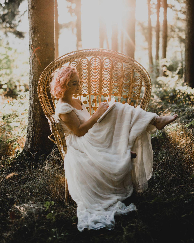 Inspirations pour un shooting mariage bohême en forêt