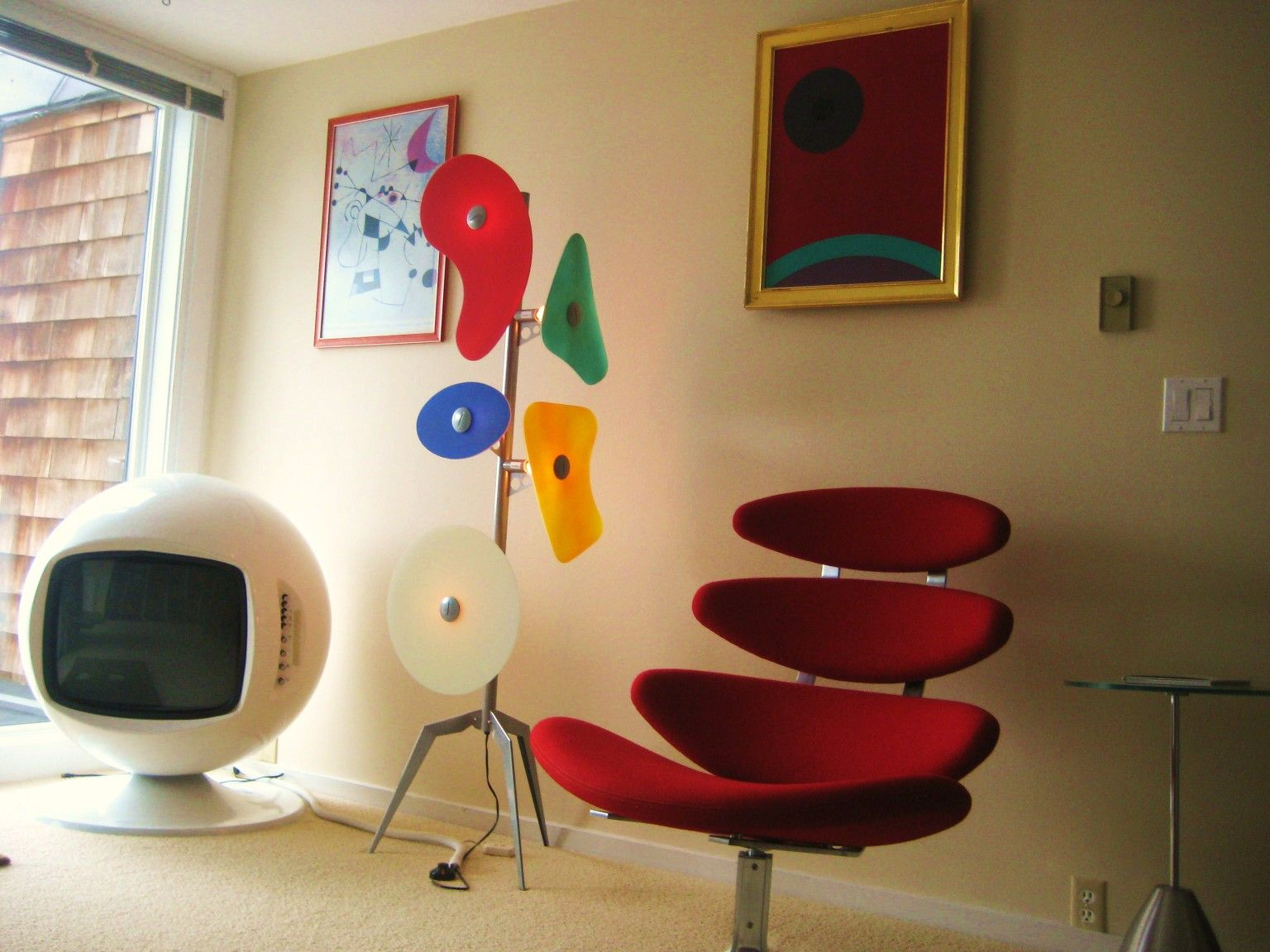 Space Age Design.Tim Apicella Space Age Design Museum 1961 Corona Chair