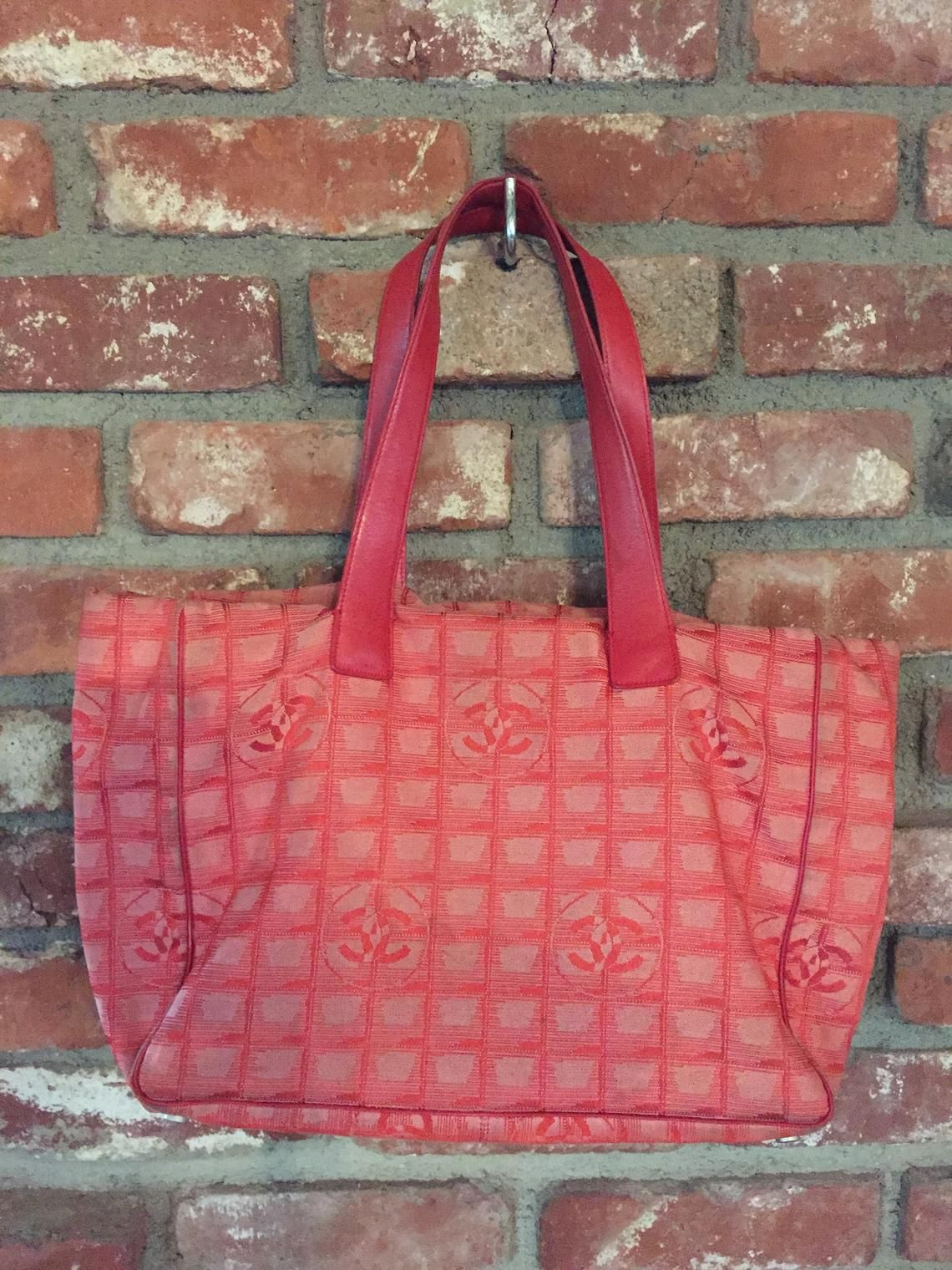 Vintage 90 s CHANEL Red monogram CC Logo Sport Bag  e4923bc604490