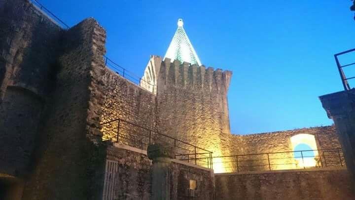O magnífico Castelo de Porto de Mós, Portugal.
