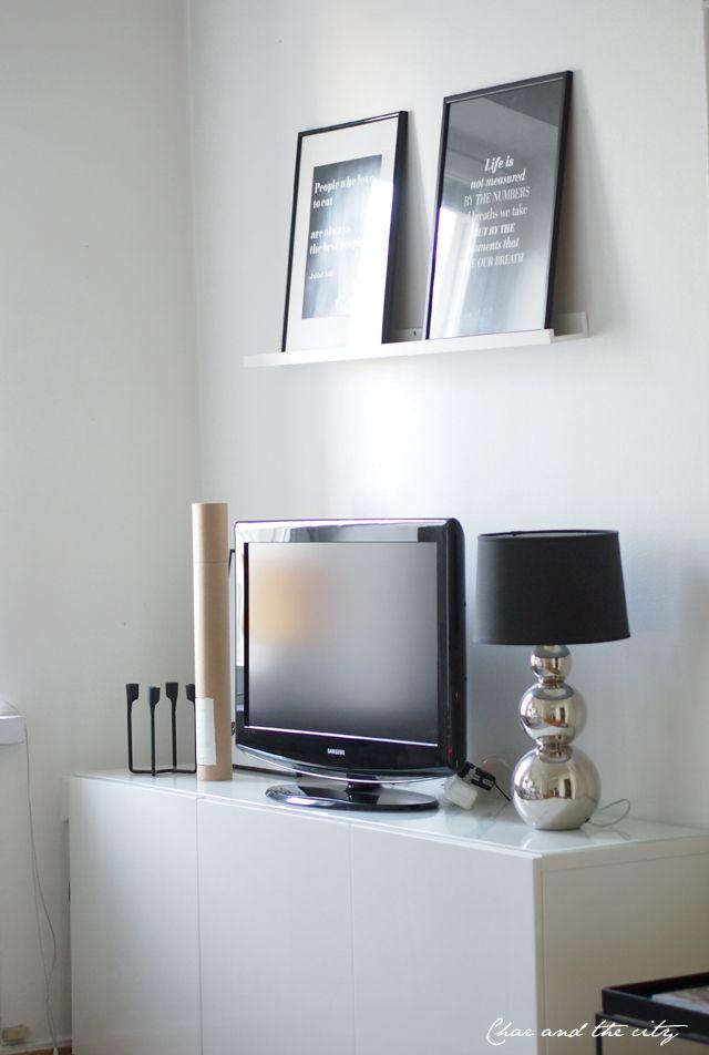 Livingroom: http://divaaniblogit.fi/charandthecity/2013/11/18/olohuoneen-tauluhylly/
