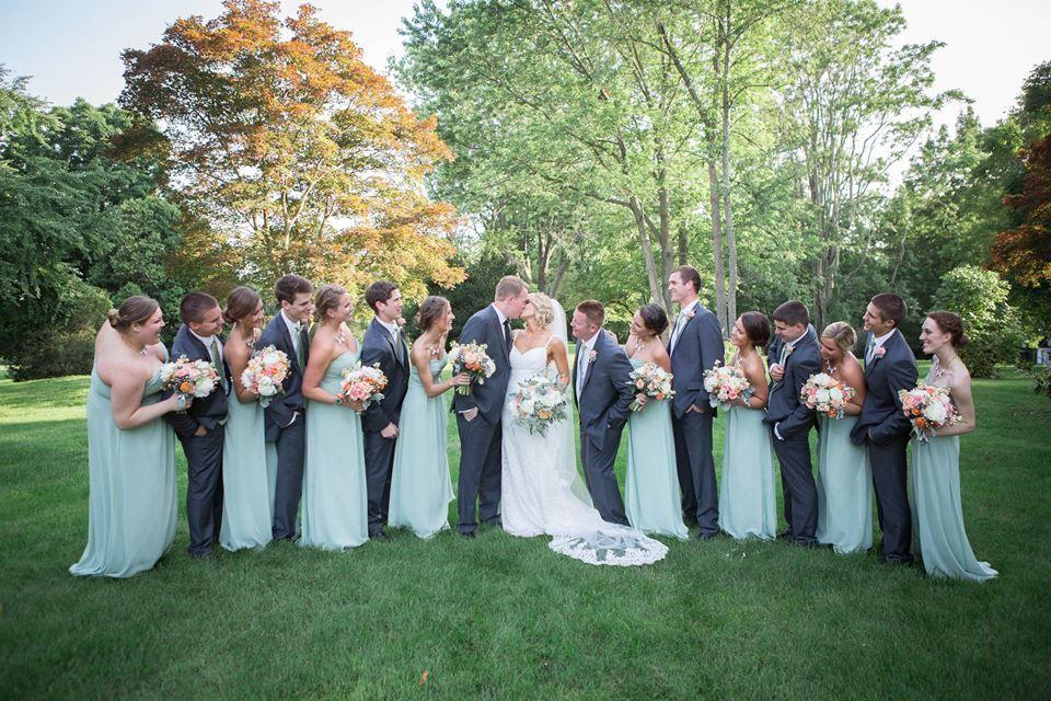 11+ Groomsmen and bridesmaid entrance inspirations