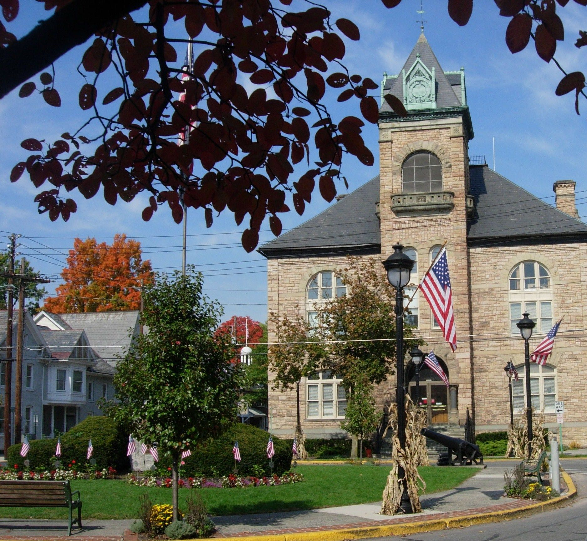 Best Places To Live York Pa: Courthouse Square In Downtown Stroudsburg, PA
