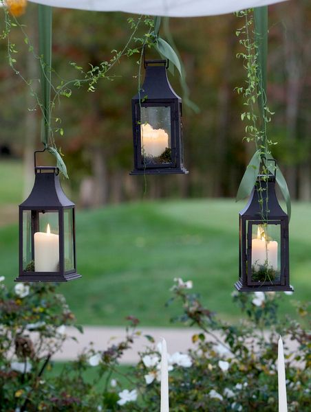 Love these hanging lanterns! /// Photo by Langdon Photography via ...