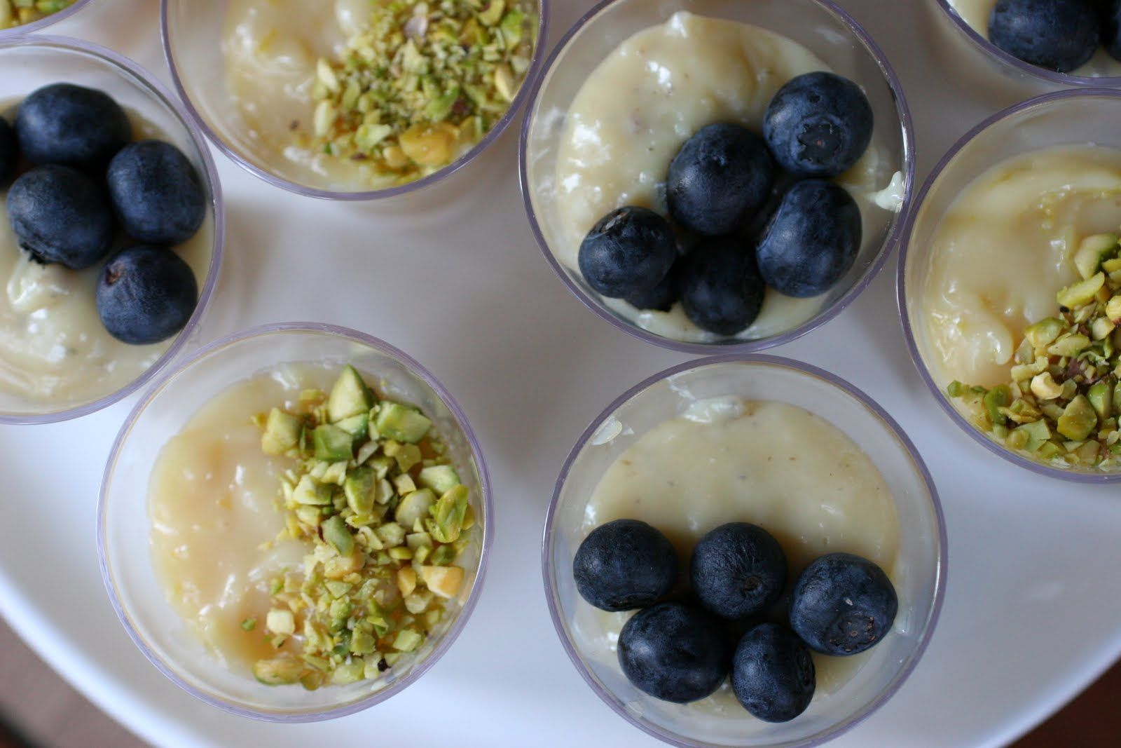 brigadeiro de pistache e de blueberry | Let's Party | Pinterest