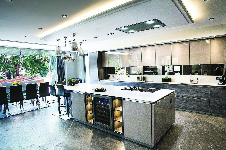 Homeeideas Com Open Plan Kitchen Living Room Contemporary Kitchen Open Plan Kitchen Dining