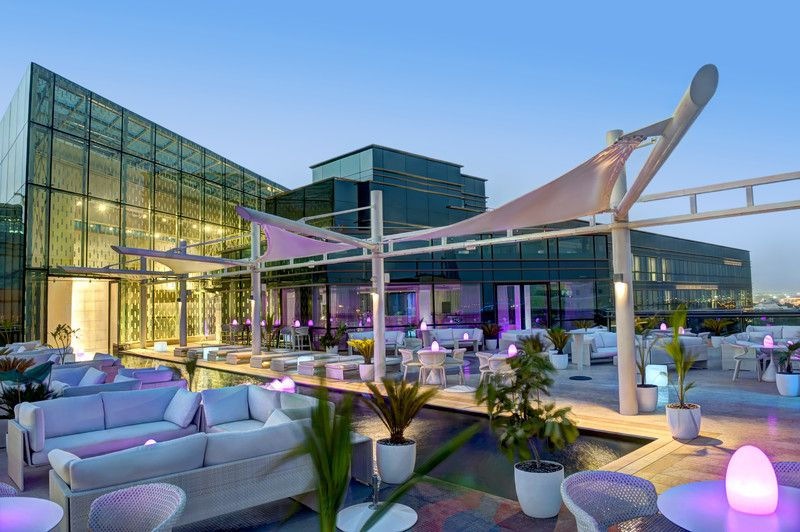 Jumeirah creekside hotel dubai restaurants cu ba for Hip hotel dubai