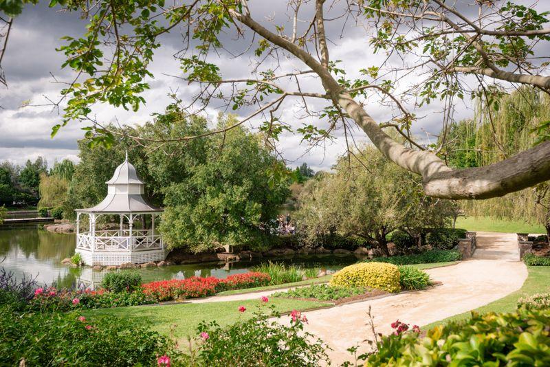 lakes walk rotunda in the hunter valley gardens english. Black Bedroom Furniture Sets. Home Design Ideas