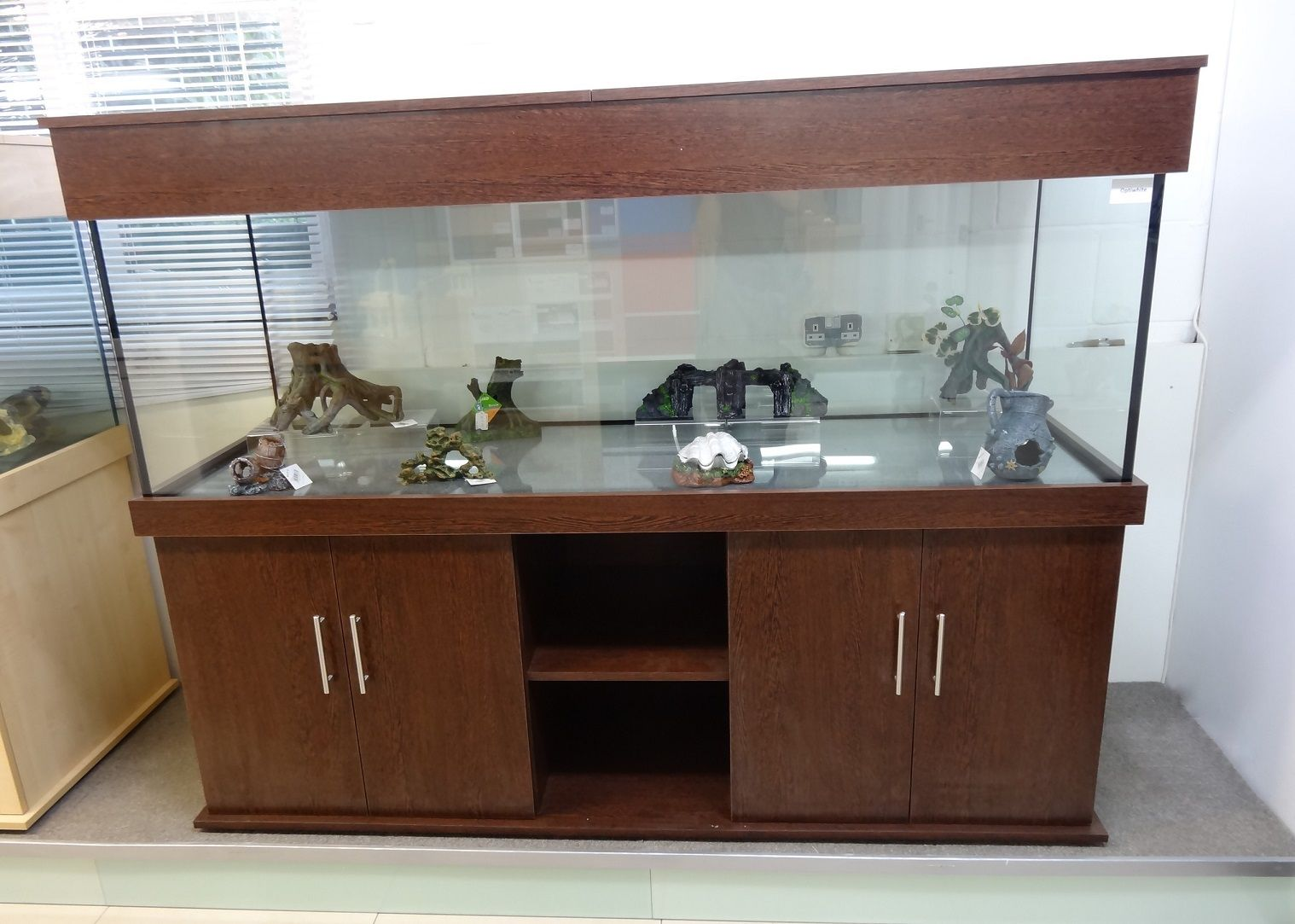 Tropical Aquarium 72 X24 X24 With Outer Shelf Cabinet