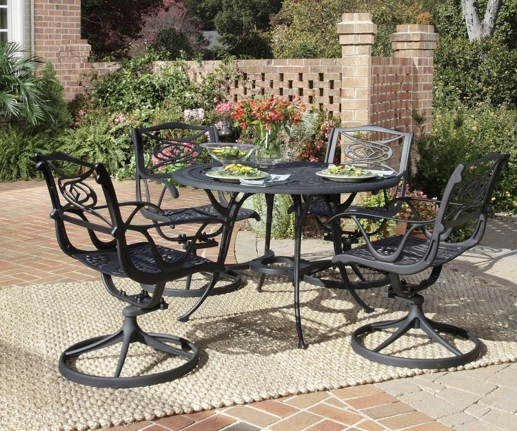 This Dining Set Adds A Contemporary Alternative To The Usual Traditional  Design Of Outdoor Dining.