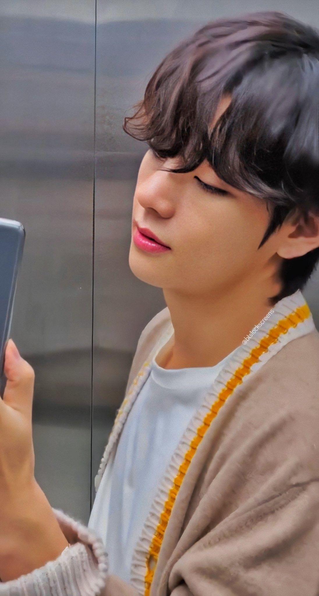 Bts X Samsung V Kim Taehyung Tae Boyfriend Material Lockscreens Wallpapers In 2020 Taehyung Photoshoot Kim Taehyung Wallpaper Taehyung