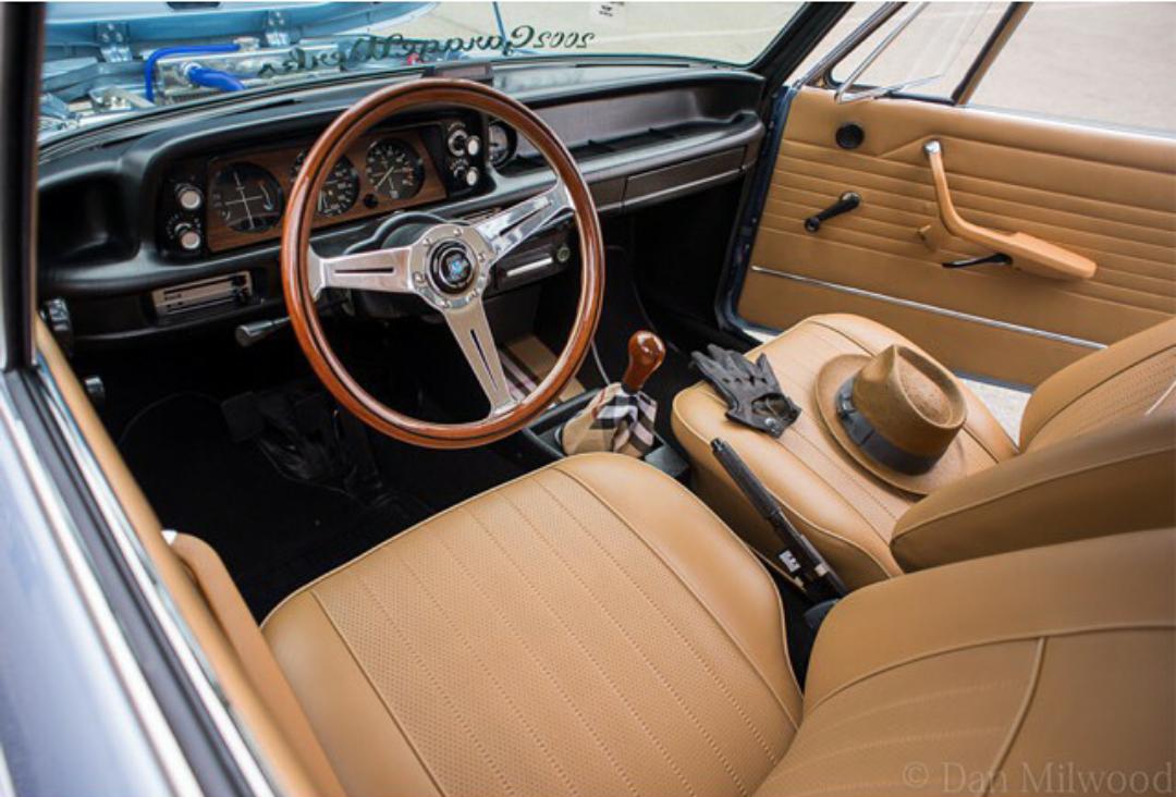 Amazing Interior BMW 2002