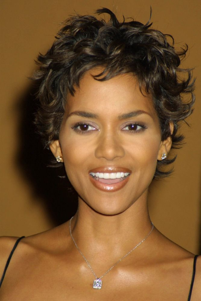 Halle Berry Short Curly Hair : halle, berry, short, curly, Halle, Berry, Rocks, Long,, Little, Black, Dress, Hairstyles,, Short, Hair,, Styles