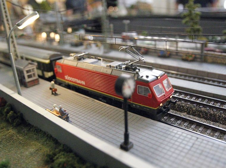 Model Train Platform Of European Railroad Model Trains Train Model Train Layouts