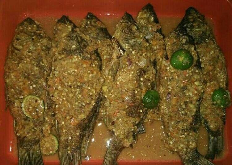 Resep Ikan Mas Sambal Pecak Betawi Oleh Elisa Abdul Hamid Resep Resep Ikan Mas Resep Ikan Resep