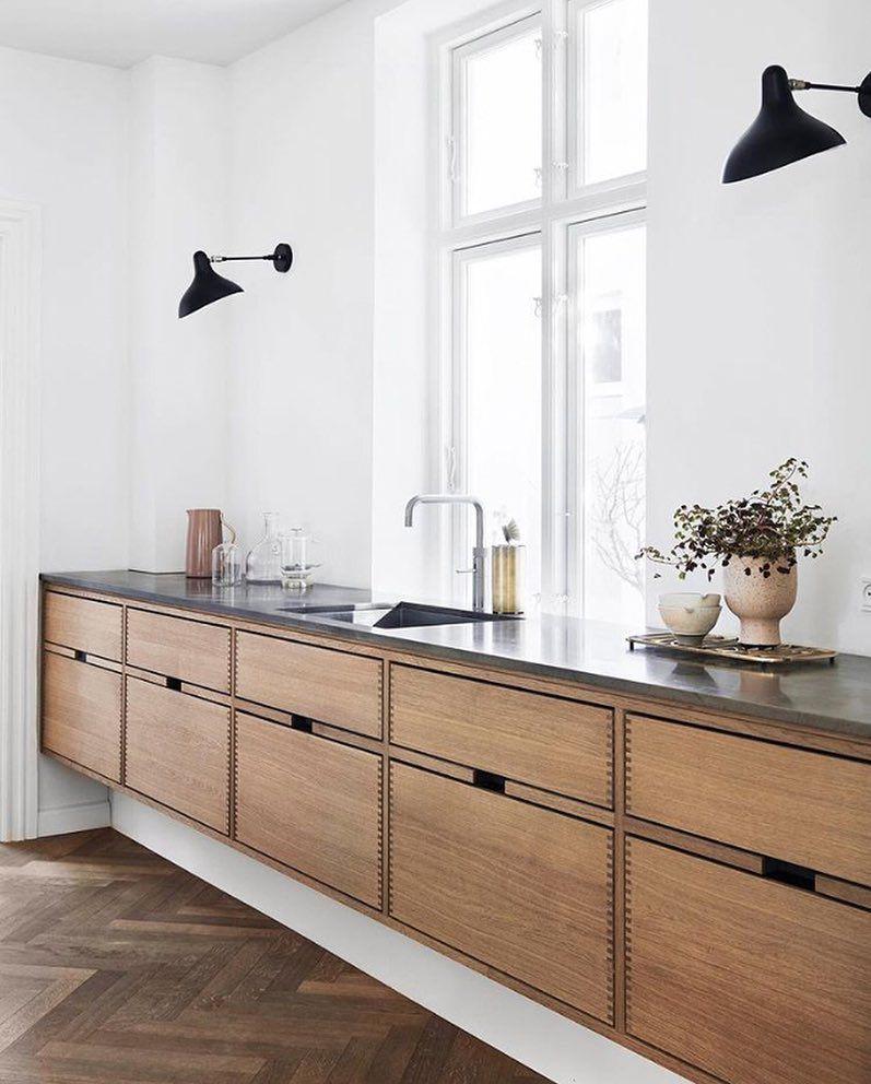 "Photo of Interior & Scandinavian Decor su Instagram: ""Una cucina straordinaria progettata da @gardehvalsoe 👌🏻 Buona notte a tutti ✨. #kitchen #kitchendesign #kitchendecor #kitcheninspo # nordichome … """