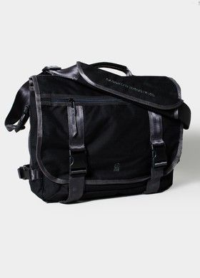 Brooklyn Industries Carrier Bullfrog Bag Our Classic Converts From A Messenger To Backpack For Ultimate Versatility