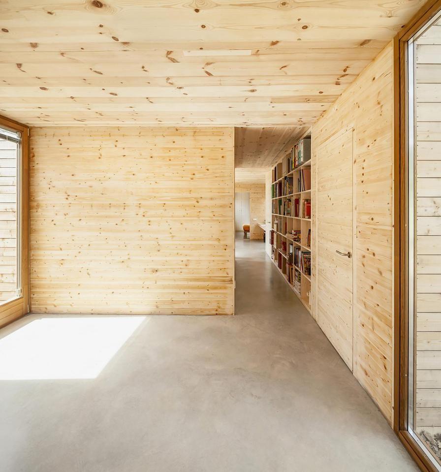 A passive house in Spain composed of six prefabricated wood boxes. It has 3 bedrooms in 1,195 sq ft. | www.facebook.com/SmallHouseBliss [más información en casasprefabricadasya.com]