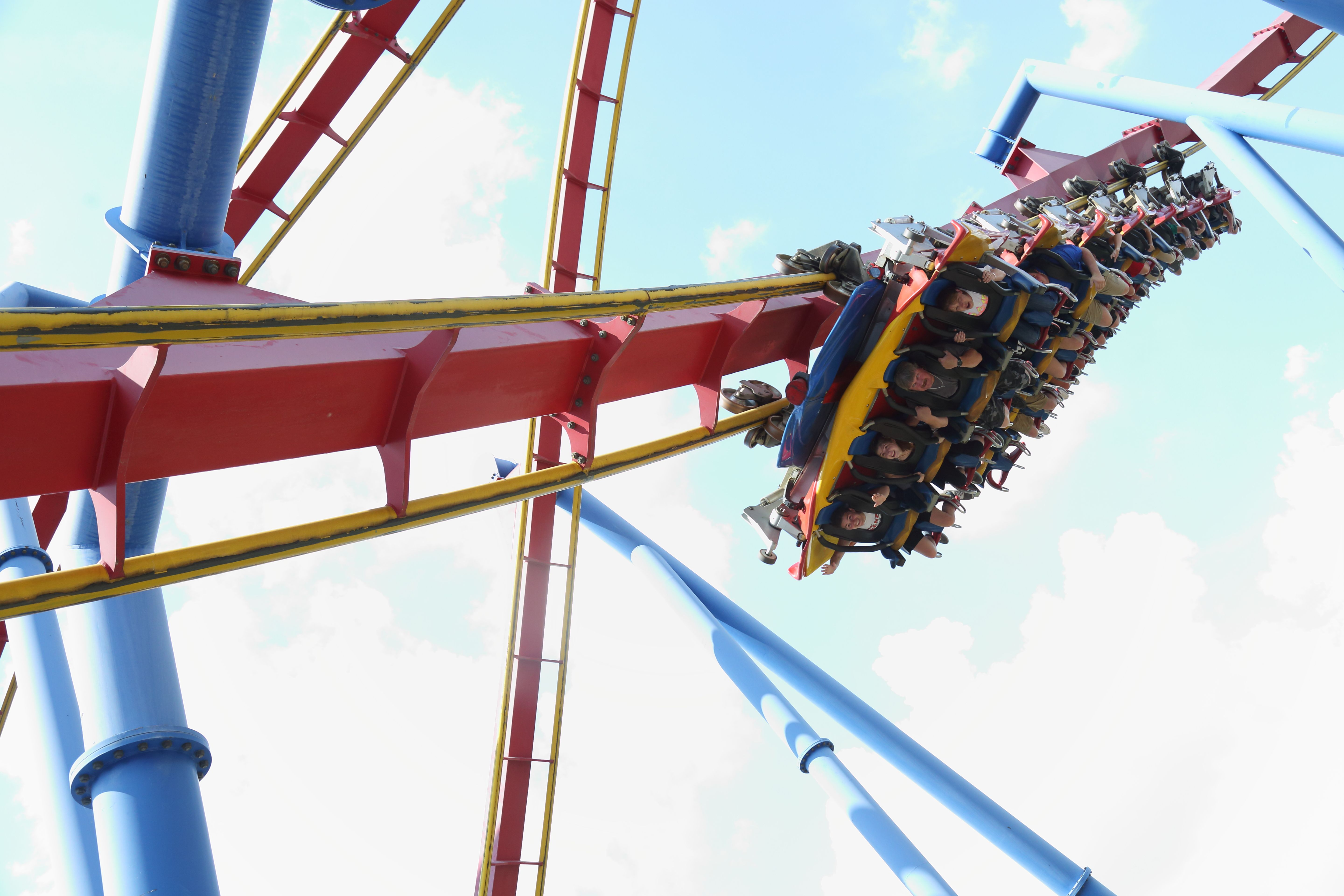 Superman Ultimate Flight At Six Flags Over Georgia Six Flags Thrill Ride Riding