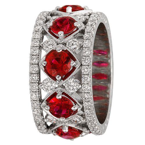 anel de rubis e brilhantes:LINDO