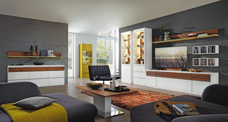 Künstlerisch Moderne Wohnwand Foto Von In Stimmungsvollen Farben