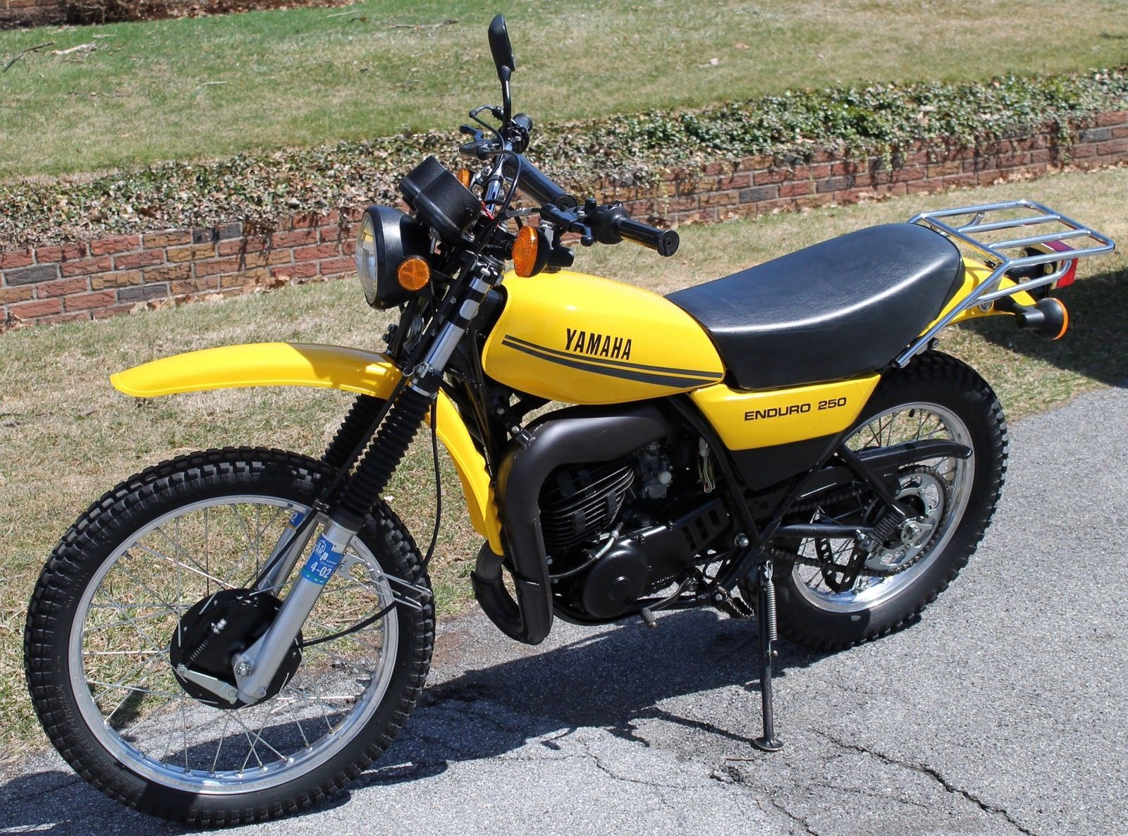 1974 yamaha dt 360 enduro bikes t yamaha engine. Black Bedroom Furniture Sets. Home Design Ideas