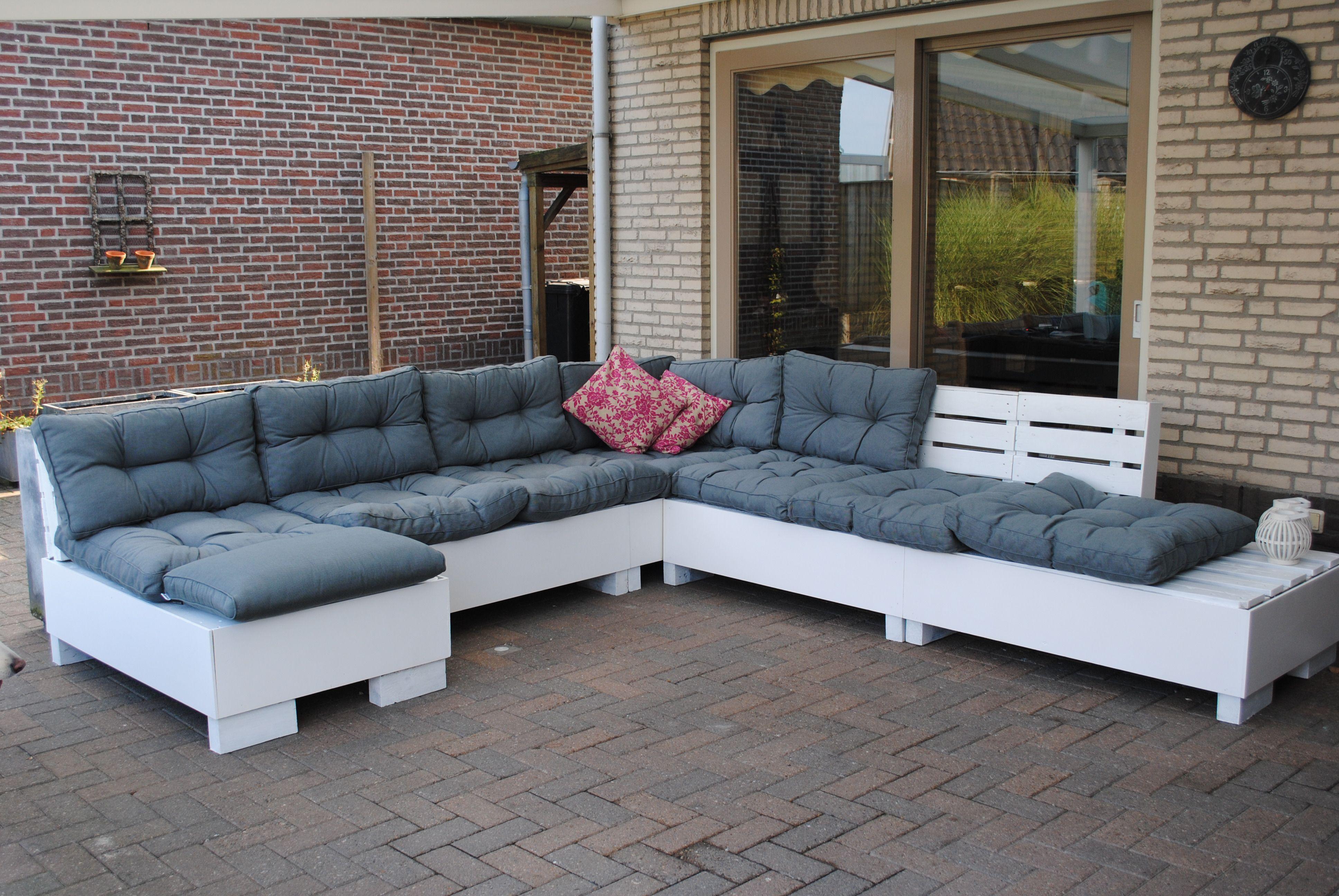 Goedkope Lounge Kussens : Van pallets een lounge gemaakt en de kussen bij van cranenbroek