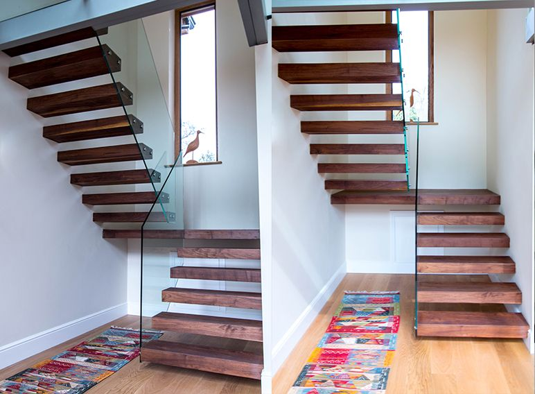 Best Made In Dark Walnut Wood This Floating Staircase Provides 400 x 300