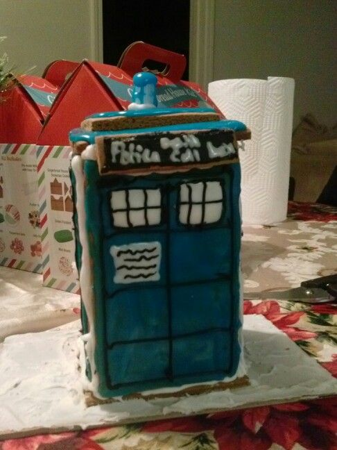 Gingerbread Tardis. #doctorwho #tardis #gingerbreadhouses