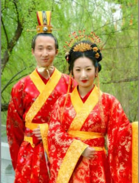 daily life traditional chinese clothing is very important