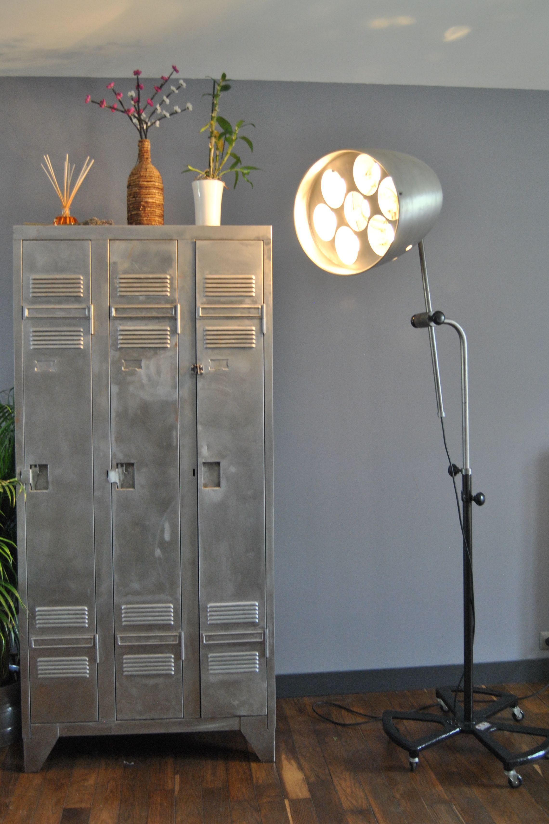 vestiaire m tallique d usine t le ponc e et patin e dimensions 90 cm de largeur profondeur. Black Bedroom Furniture Sets. Home Design Ideas