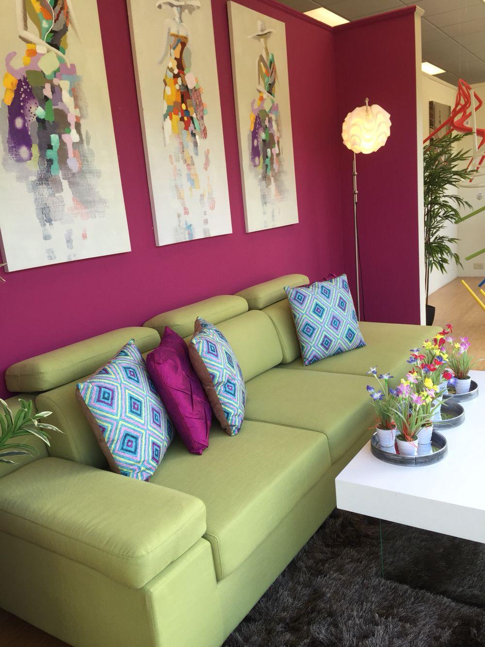 Violet fushia green mint Aqua Blue decor living Room #bymeclou #terekes  #casafebus www