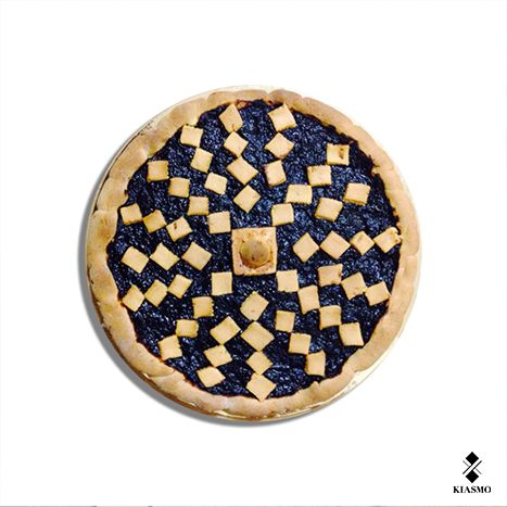Classic Pie with marmalade by Kiasmo I Our christmas party  #kiasmo #art #architecture #fashion #design #cake #decoration #crostata #break #happiness #party #christmas #marmalade #delicious #crazy #drunk #bealternative #vincenzodalba #christmastime #instagood #live #merrychristmas #likeforlike #team #group #firm #brand #2015 #chef #cucchiaiodargento