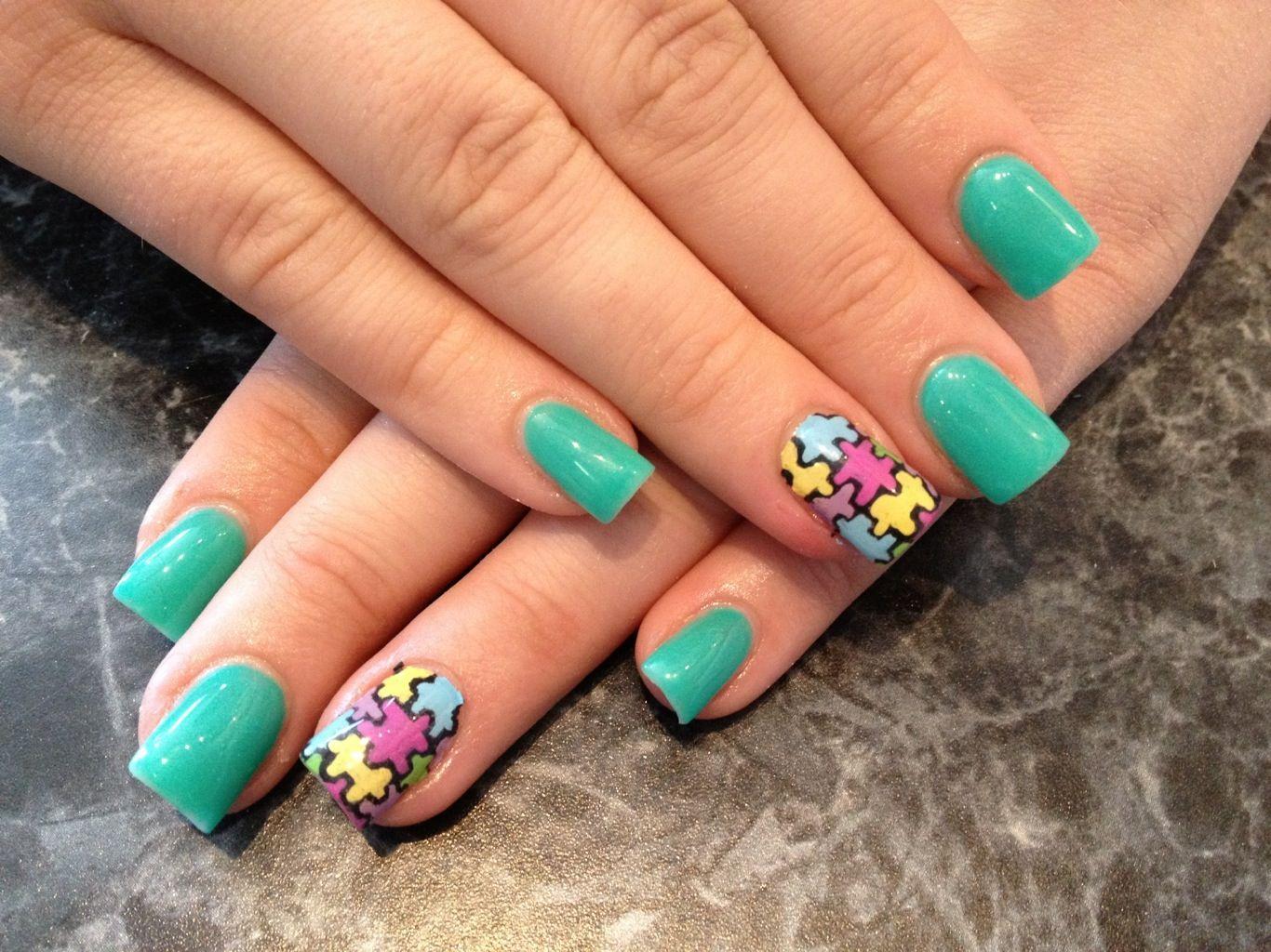Arma un rompecabezas en tus uñas con esta sensacional idea, mezcla ...