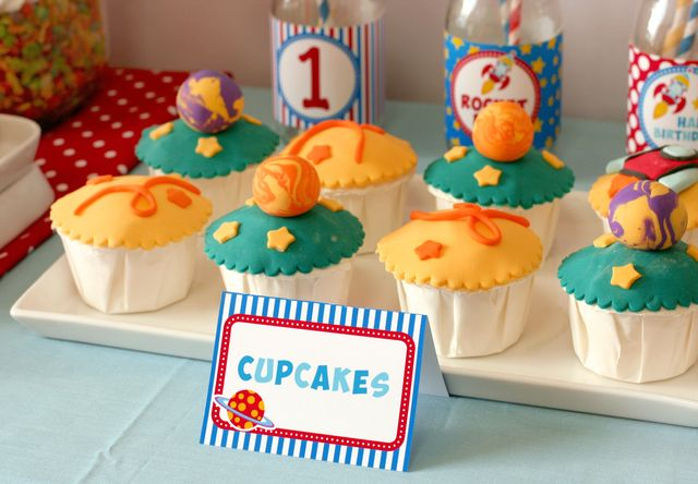 Planet cupcakes #cupcakes #planet