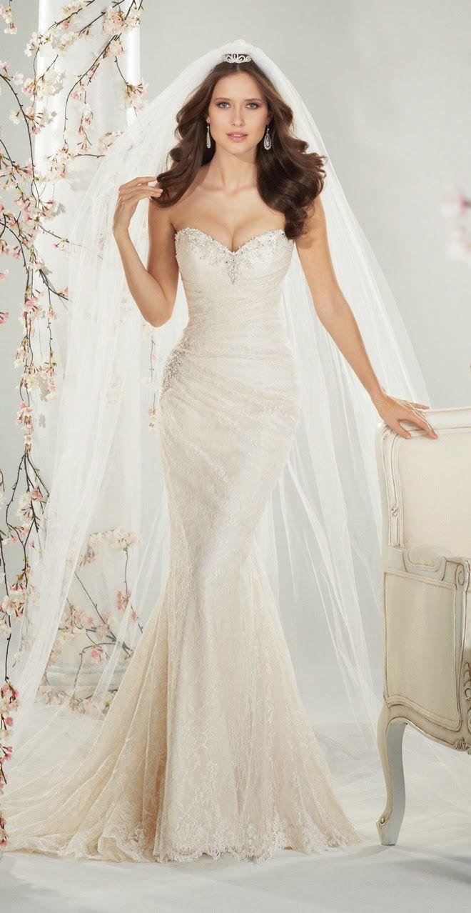 Jolie robe de mariée Sophia Tolli.