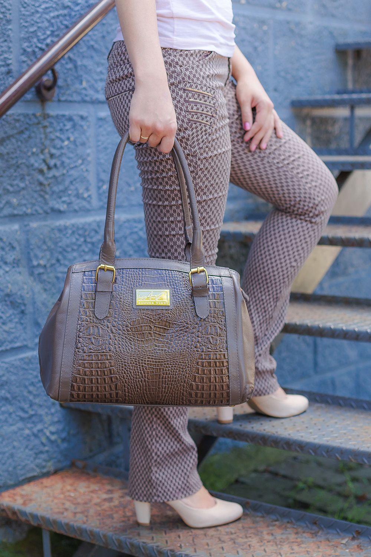 36597b351d0e3 Bolsa Tradicional em couro legítimo chocolate | Bolsas femininas ...