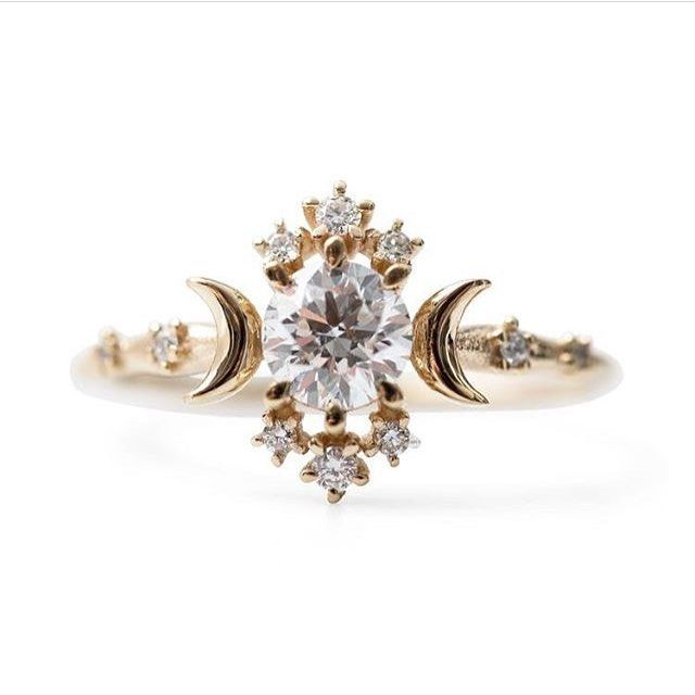 The ring of my dreams 😍 by fellow Canadian designer @morphejewelry // #regram @festivalbrides #andforlove #bling #inspo #coolbrides #canadianfashion