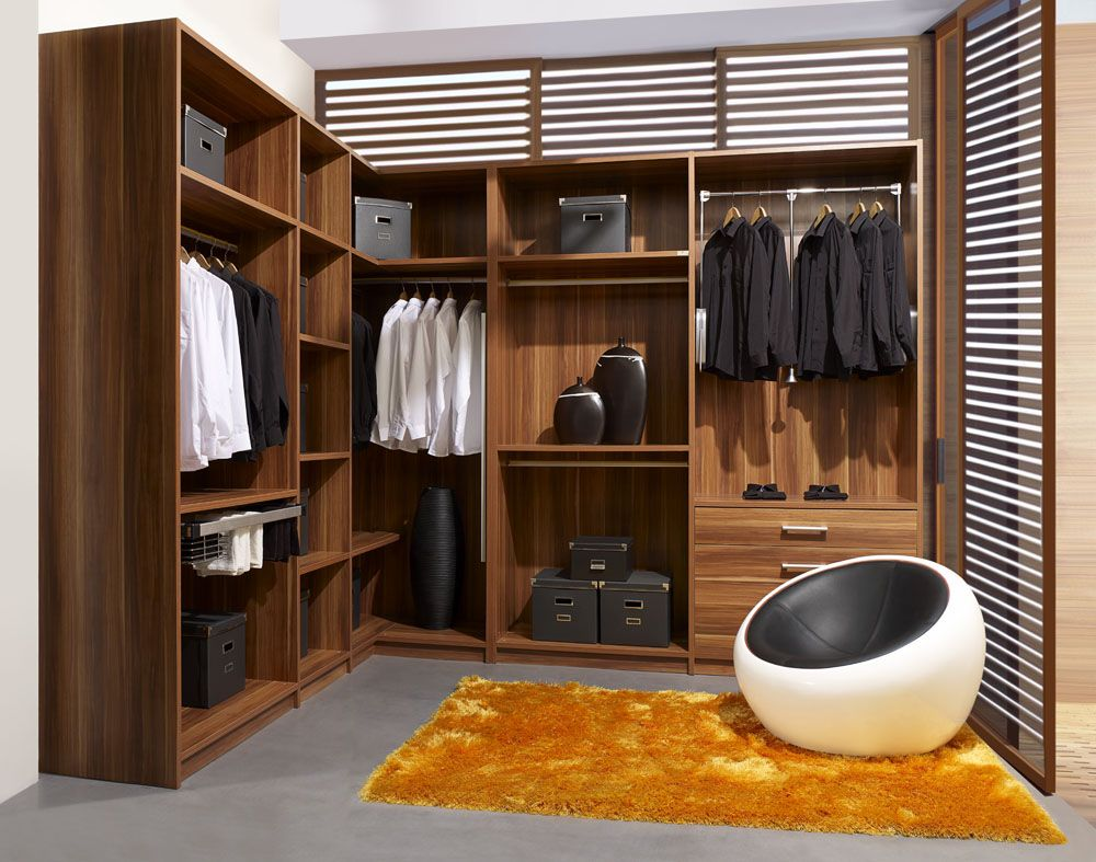 Classic italian walk in closet design